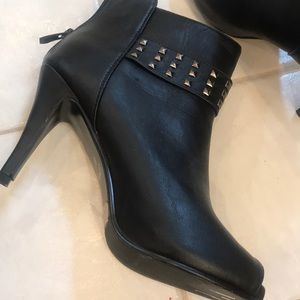 Silver studs sexy black heel boots